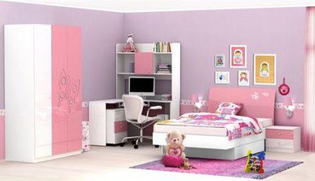 Dormitor modern pentru copii: preomina culorile vibrante