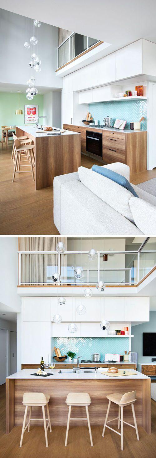 Casa cu interior superb decorat cu lemn