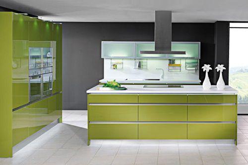 Bucatarii confortabile si elegante in tonuri verzi