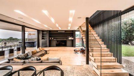 Camere moderne: piscina la parter, gradina pe acoperis