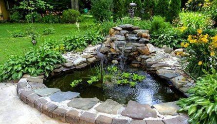 Lacuri si mini cascade pentru gradini moderne