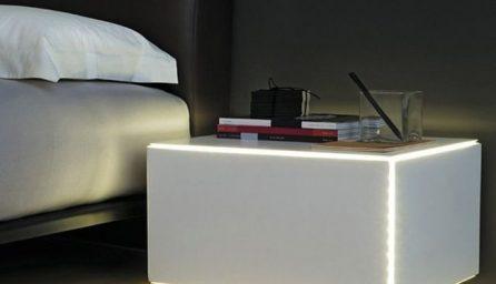 Noptiere moderne pentru pat