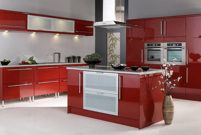 Bucatarii moderne cu design interior in rosu