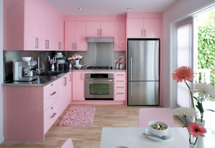 Bucatarii in roz